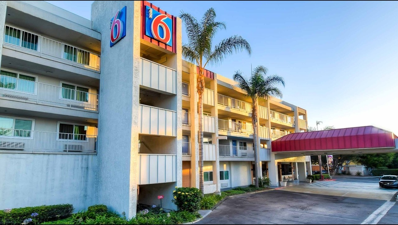 Motel 6 Anaheim Maingate Hotel In Anaheim Ca ($89+) | Motel6 - Motel 6 California Map