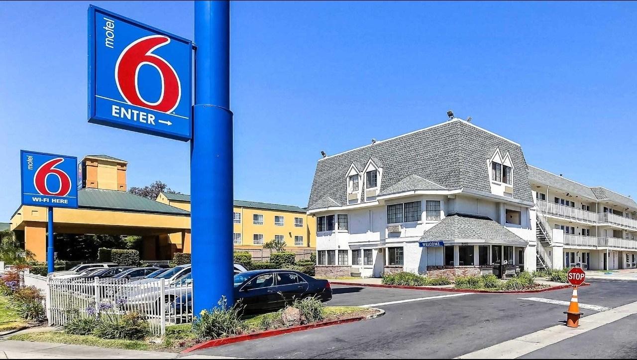 Motel 6 Oakland Airport Hotel In Oakland Ca ($79+) | Motel6 - Motel 6 Locations California Map